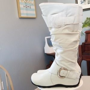 NWOT Bakers Tricky Boot